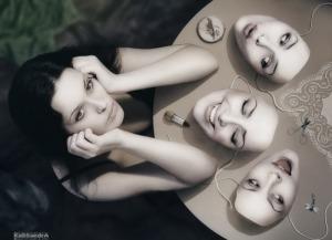 mis propias máscaras y personajes bcn gestalt